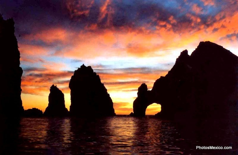 Sunset Cruise in cabo san lucas not to be missed on your next cabo vacation
