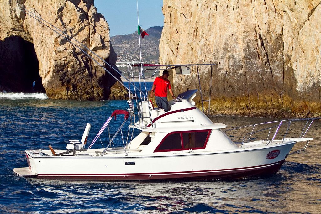 31 ft Bertram Sport Fisher from the RedRum Sportfishing fleet in Cabo San Lucas best tournament fishing los cabos